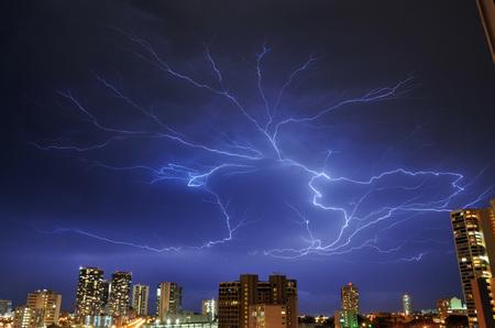 lightning_050211-01.jpg
