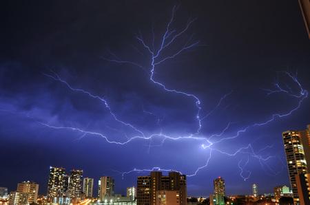 lightning_050211-02.jpg