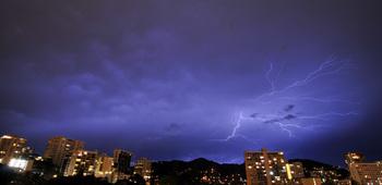 lightning_060411-05.jpg